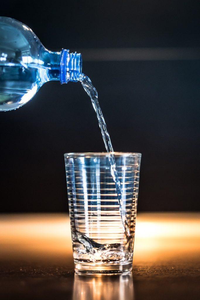 comment-récupérer-après-le-sport-bouteille-d-eau