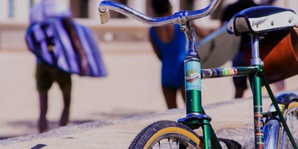 Vélo dans une ville // Catégorie location vélo